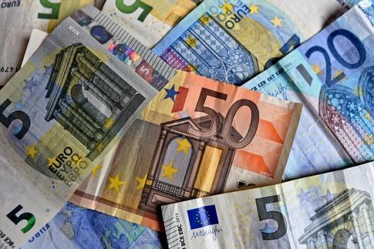pirkt pārdod bitcoin vairākās valūtās, lai gūtu peļņu